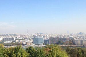 Vaizdas į Paryžių nuo kalvos