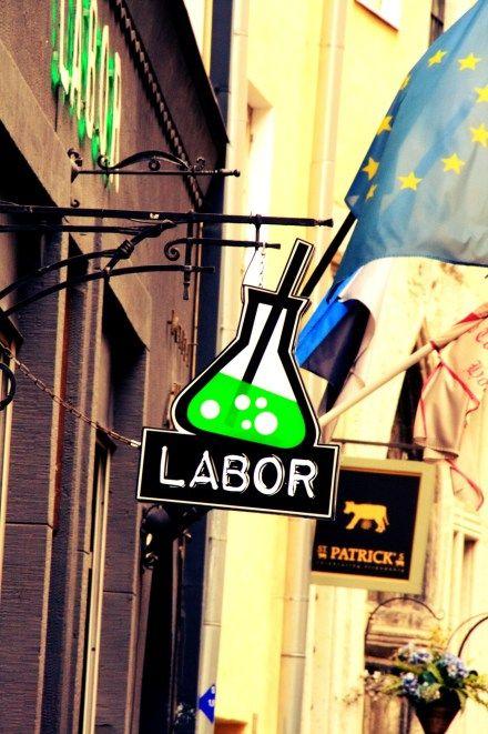 Labor baras
