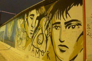 Paveikslai ant Berlyno sienos