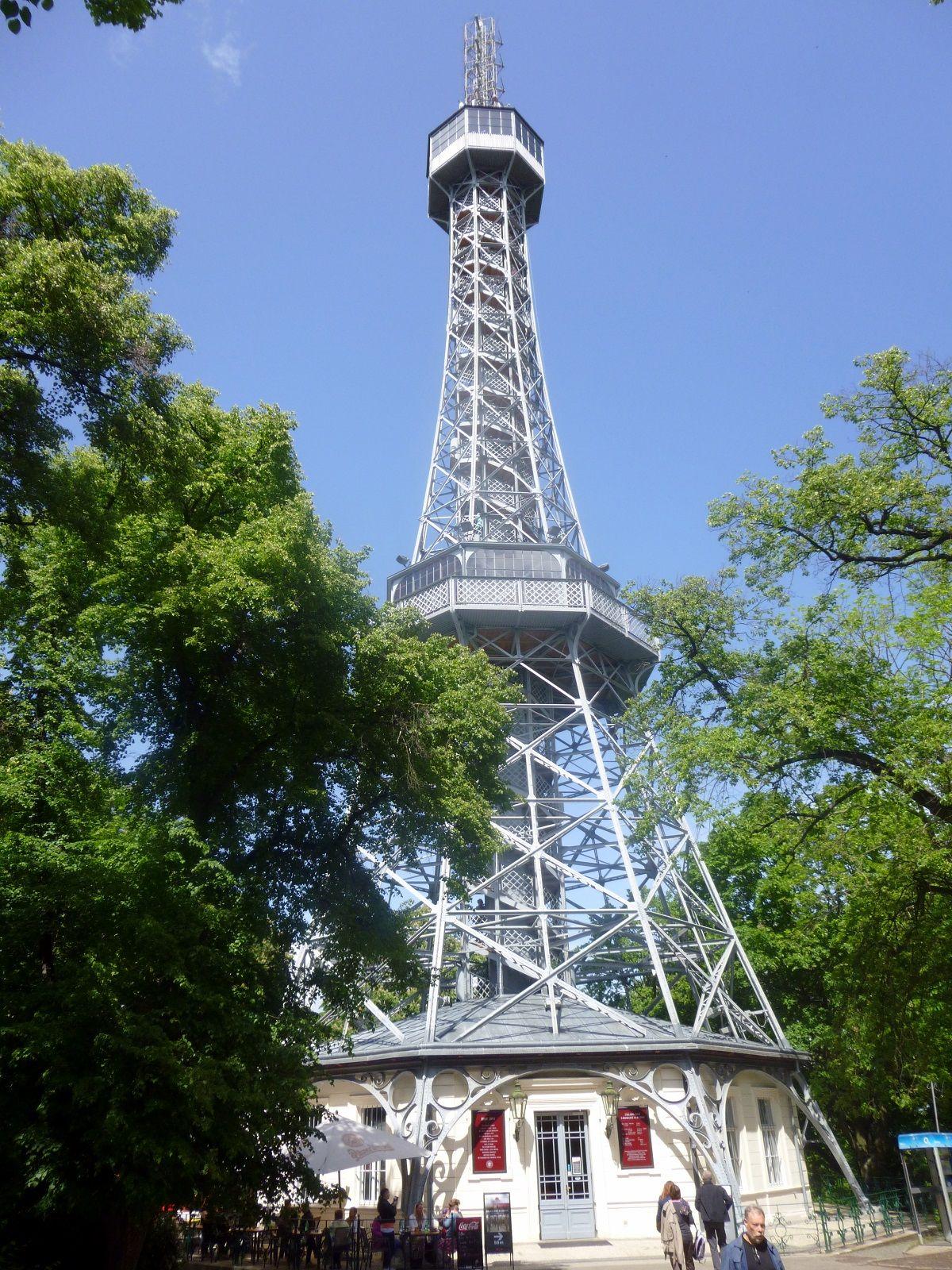 """Čekiškas """"Eifelio"""" bokštas"""