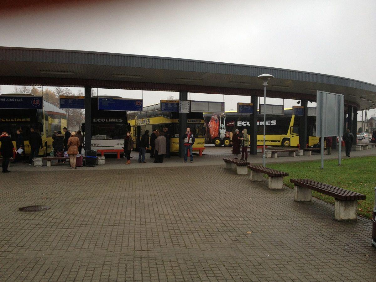 Autobusų stotyje