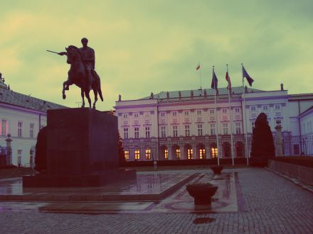 Princo Józef Poniatowski paminklas prezidentūros kieme